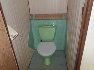 Původní záchod :-D :-D :-D