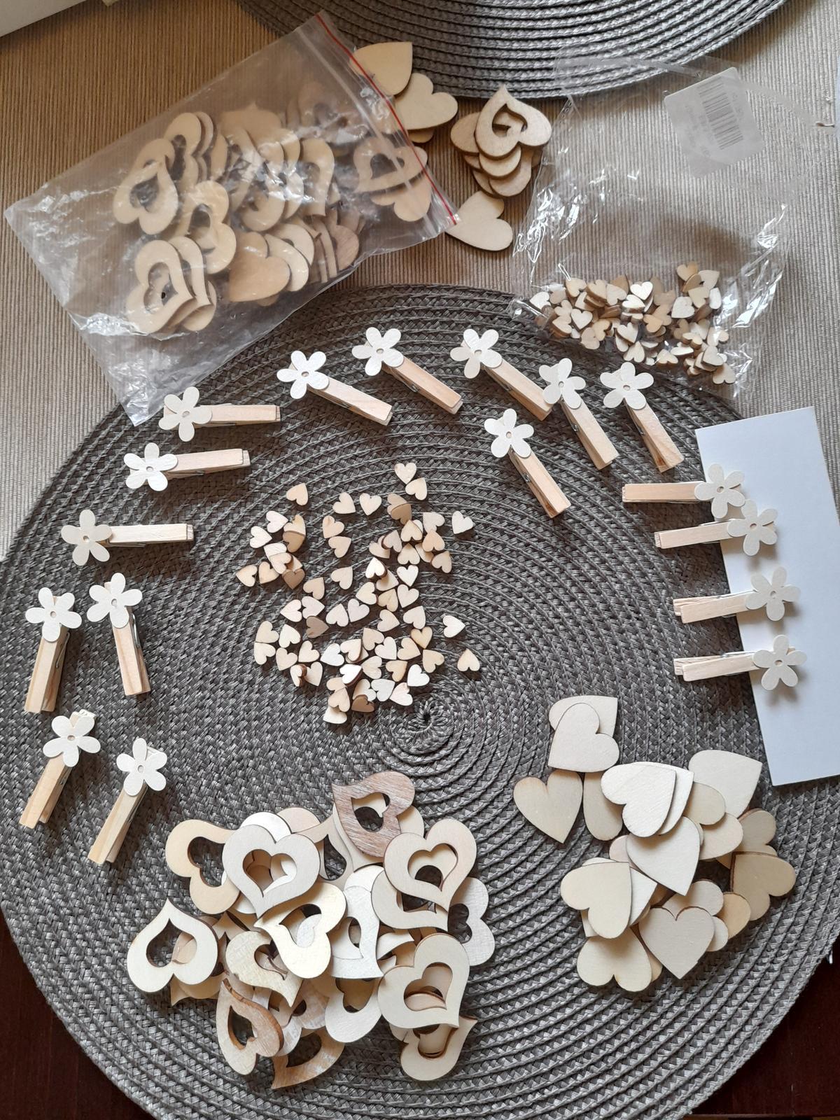 Dřevěná srdíčka a kolíky - Obrázek č. 1