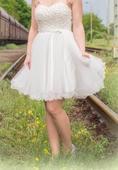 krátké svatební šaty, 40