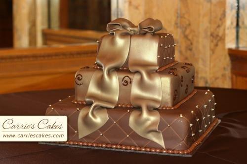 ...moje predstavy... - ..takuto torticku budeme mat len fialovo-bielu...