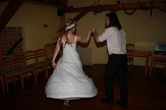 tanec se svědkem
