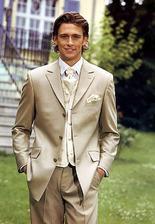 svojho draheho si viem predstavit v takomto nadhernou obleku :)