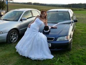 S autíčkem ženicha