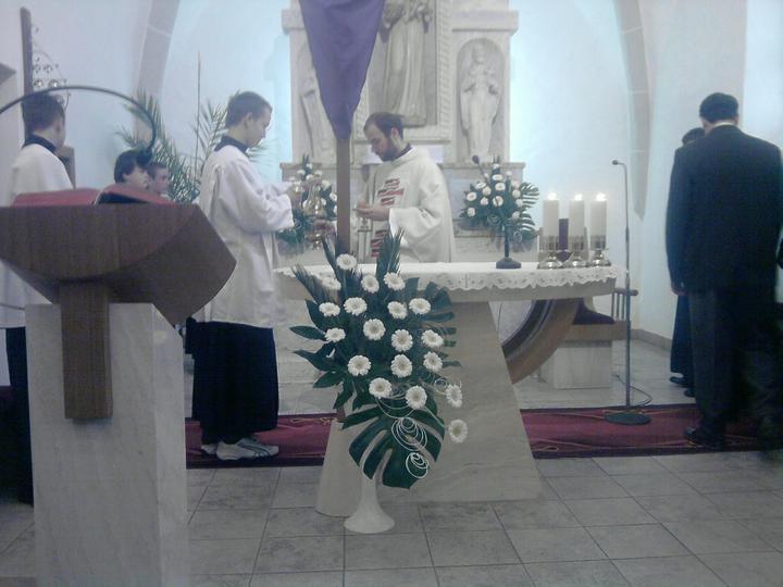 Predstavy a sny 29.10.2011 - Náš oltár v kostole