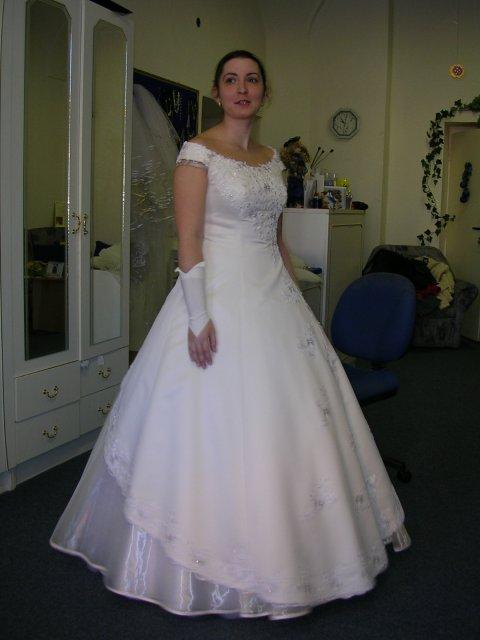 Naša svadba 29.apríl 2006 - sú veľmi pohodlné. Krémnové hoci najprv som chcela zaťato biele