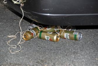Kluci se obětovali a vypili několik piv aby bylo za auto.
