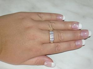 Na Valentýna...oficiální žádost o ruku:-)vím že je na špatným prstě, už je mi  velký:-(