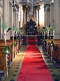 taky bych chtěla mít vyzdobený kostel,ale před náma už jedna svatba je takže to asi bude problém