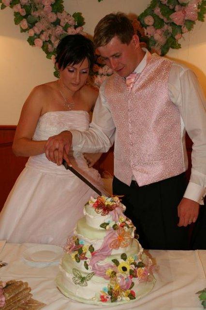 Monika Reichbauerova{{_AND_}}Igor Cech - ani som tu tortu nechcela krajat,bola taka krasna ale aj chutna