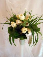pěkná svatební kytka