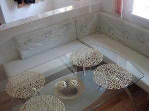 nový stůl v kuchyni