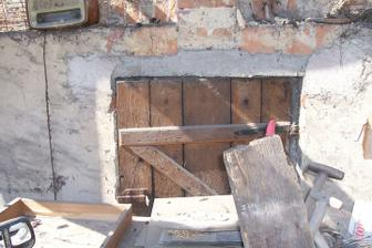 Další původní vhoz na seno, původně ve štítě domů, tak jsme ho zespodu přizdili...
