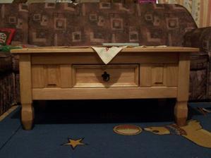 Náš nový konferák, voskované dřevo, nevíte někdo, jak to ošetřovat? Už dostává docela zabrat :-(