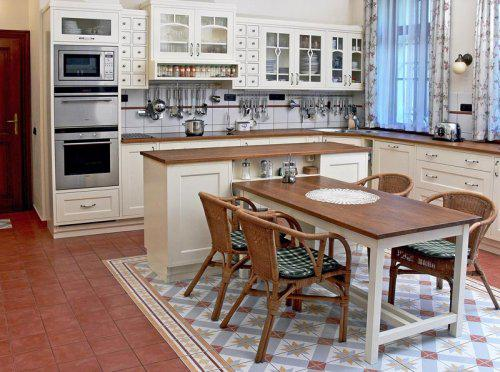 Drevo a biela v kuchyni - Obrázok č. 48