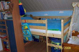Dětský pokoj s oběma postýlkama