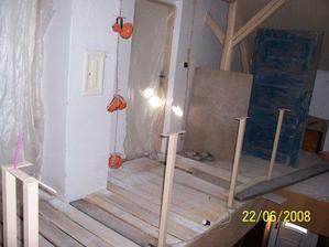 Rekonstrukce podlahy na chodbě
