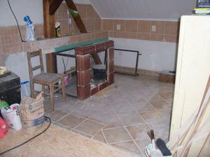 Pohled do kuchyně z obýváku...