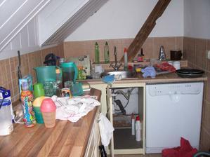 stěhovací a umývací bordel, hlavně, že myčka už jede ;-)