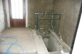 schody do sklepa. budou uzavřené deklem