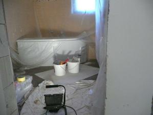 vana a nepořádek při malování