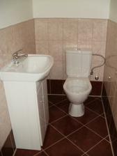 Hotové WC (ještě prkénko)
