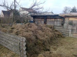 náš kompost když už klesl