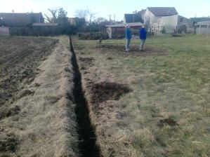náš plot po celé délce