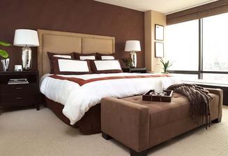 moc se mi líbí americké, anglické(nevím) postele - vysoké, s bobikem