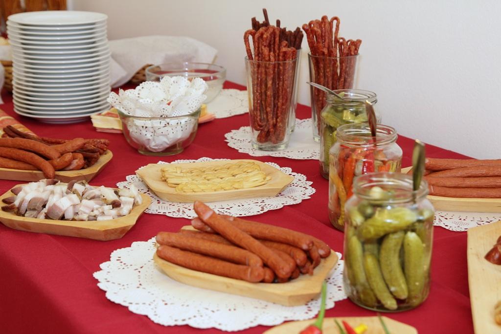 Anička :){{_AND_}}Ľubko :) - Slaný stôl (gazdovský) :)