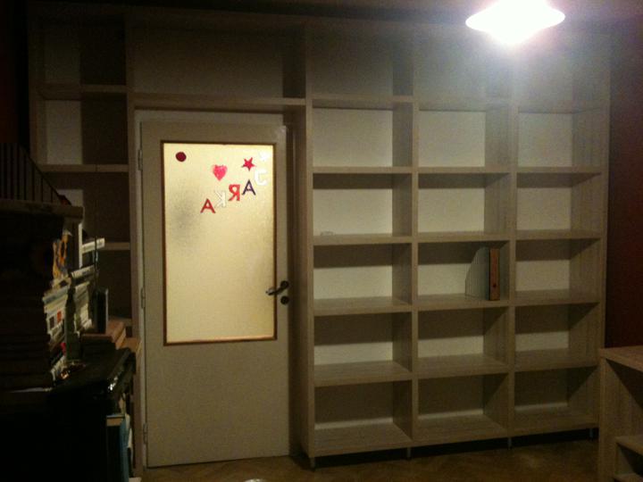 Vstavane skrine a iny nabytok - kniznica