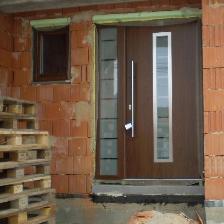 Náš domček - naše vchodové dvere..podľa mojich predstáv