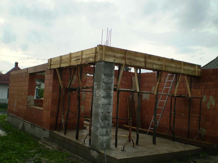 Náš domček - budúca krytá teraska:)