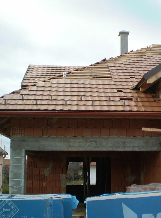 Náš domček - ukladá sa škrídľa