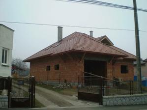 a máme strechu:)už len okná a budeme môcť zimovať