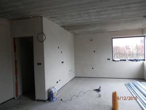 Kuchyň a dveře do špajzu