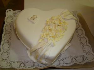 A takéto nádherné torty sme dostali...