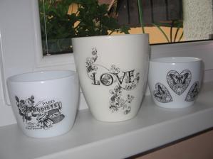 a na  porcelanove kvetinace