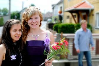 Překrásná fotka...dceruška s neteřinkou :-)