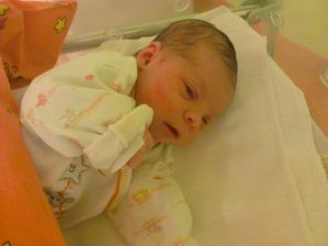 Tak jsme se 7.1.2014  v 10:46, rozrostli o princeznu Elišku :-*