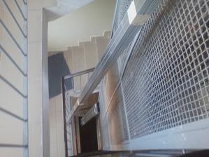 ako som dostal konstrukciu na stropy hore k nam na 7 poschodie :D