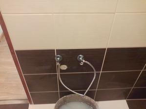 rohaciky v kupelni na umyvadlo