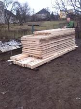 drevena konstrukcia na chatku + teraska