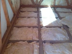 podlaha - 2 vrstva vaty