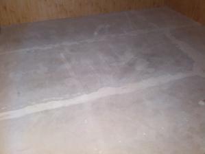 podlaha vytmelena