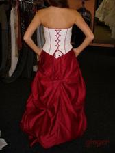 Šaty č. 2 - zezadu