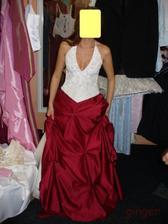 Šaty č. 4 - sukně jen přidržená, u korzetu trošku hlubší výstřih:-), jen kdybych do něj měla co dát:-(( :-)