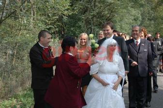 Ženichovi podstrčili falešnou nevěstu...