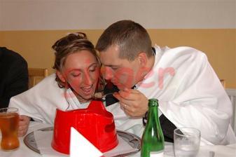 Novomanželská knedlíčková... z nočníku jsme tedy polévku jedli poprvé:-))