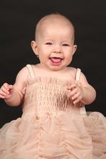 nas poklad jediny, nasa Nikolka :) narodila sa 27.2.2013