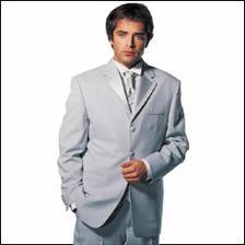 huraaa, mame uz aj oblek ;) je komplet hotovy, takto vyzera, chceli sme jednoznacne svetly ;) nebolo lahke ho zohnat. jasne, ze je aj vesta.